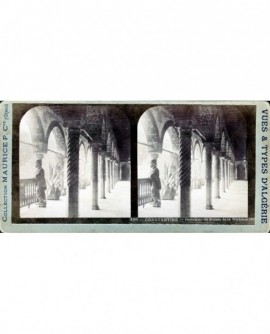 Constantine. vue intérieur du palais de la division (a)