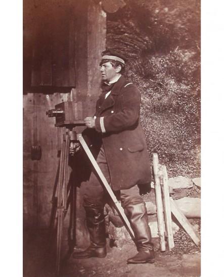 Autoportrait du photographe Houze de l\'Aulnoit
