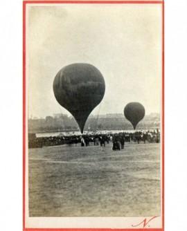 Ballons dirigeable place du champs de mars