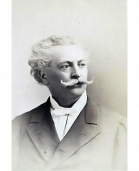 Autoportrait du photographe Charnay