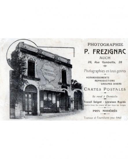 Vue extérieure du studio du photographe Frezignac