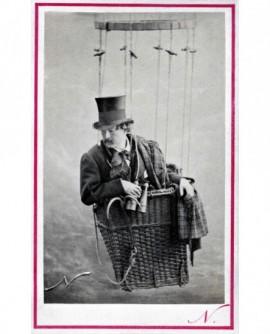 autoportrait de Nadar dans son ballon (Tournachon) nacelle. 3éme version