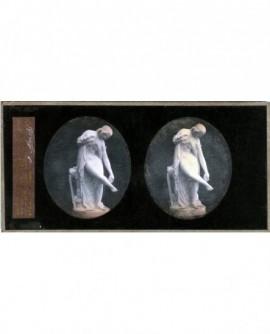 Femme nue. Statue de M. Pradier