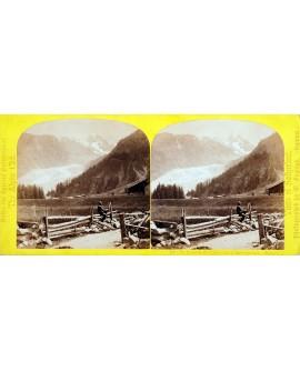 Le glacier et l'aiguille d'Argentièrre en Savoie. Montagnard