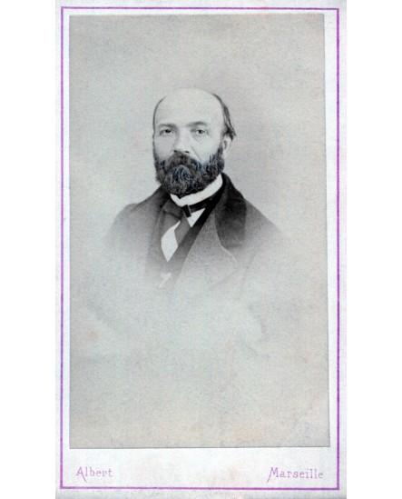 Portrait d'un homme barbu. Eugène Pouzet