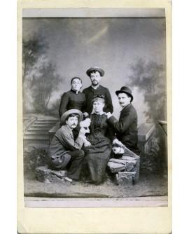 Autoportrait du photographe frederick leroux avec sa famille