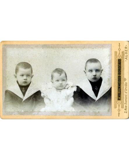 Portraits de trois enfants en veste de marin. Louis, Erneste et Alice de Baron