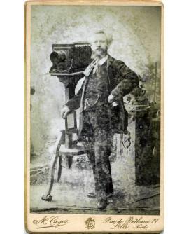 Autoportrait du photographe Alfred Cayez