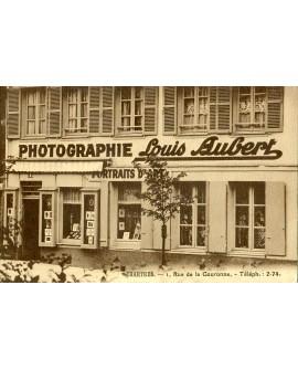 Façade du studio photo du photographe Louis Aubert