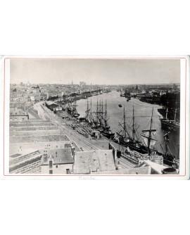 Vue en perspective du port de Nantes