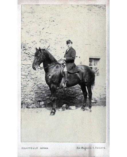 Photographie hippique. Cavalier sur son cheval