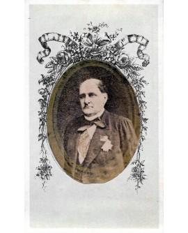 Portrait d'un homme avec décoration et écharpe