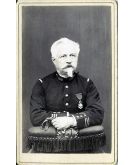 Militaire du 132ém avec médaille. Capitaine