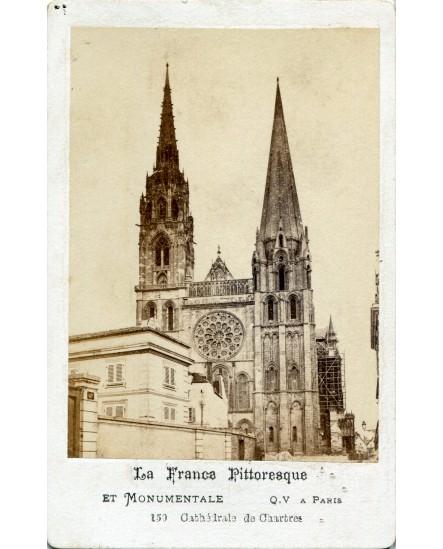 Vue extérieure de la cathédrale de Chartres