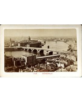 Toulouse. Vue générale de la ville avec les ponts