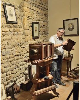 François Boisjoly expliquant le fonctionnement d'une chambre photo