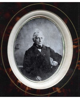 Portrait d'un homme en médaillon