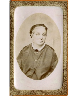 Mlle A. Frapiatte, institutrice à Alger. 1877