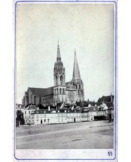 Vue générale de la cathédrale Notre-Dame. Paris
