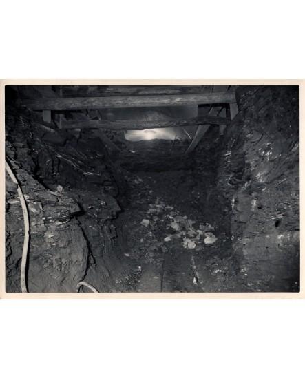 Terrassement du strass à Oran (abris ? tranchée ?) 1953
