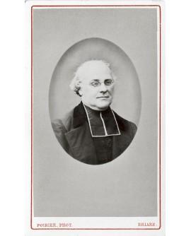 Portrait du prêtre, l'abbé Patereau