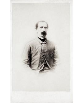 Portrait d'un homme à barbiche en 1864