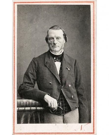 Homme à favoris, légion d'honneur. M. Brière du Boinront