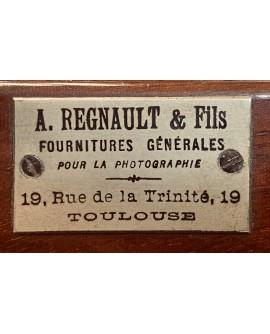 plaque publicitaire posée sur une petite chambre photo 18x24cm