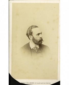 Portrait de profil d'un homme barbu (M.Bourvillot)