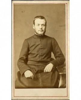 Ecclésiastique au collier (de barbe) (L. Trévoux)