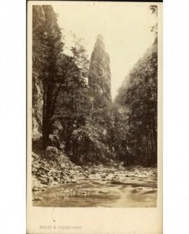 Le rocher de l'oeillette dans le massif de la Grande Chartreuse