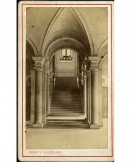 Escalier d'entrée de la Bourse à Lyon (1860)