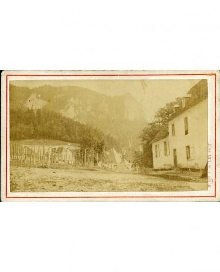 Vue du monastère de la Grande Chartreuse (on voit surtout les toits)