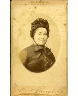 Portrait d\'une femme en bonnet