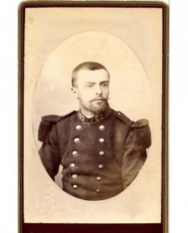 Portrait d'un militaire à impériale du 62è, tête nue