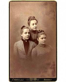 portraits de 3 jeunes filles