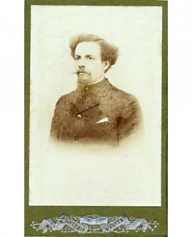 Portrait d'homme à moustache et barbiche