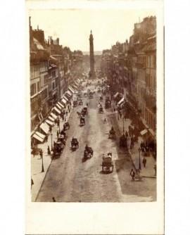Paris, la rue Saint-Antoine et la colonne de Juillet (1867)