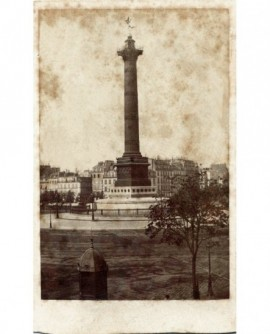 Paris: la Colonne de Juillet (vue de la gare de Charenton)