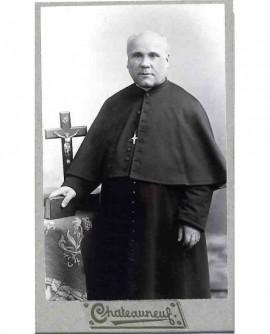 Portrait d'un ecclésiastique chauve, bréviaire à la main