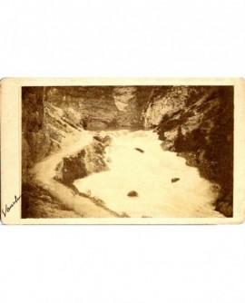 Fontaine de Vaucluse, près de l'Isle-sur-la-Sorgue: la résurgence