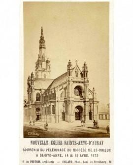 Nouvelle église (de) Sainte-Anne d'Auray (56)