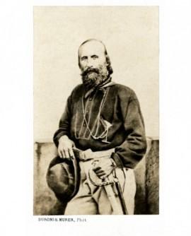 Garibaldi avec son épée et son chapeau