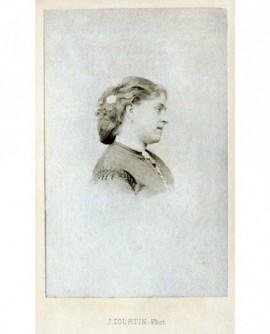 Femme de profil. Mlle Blanche Pierson