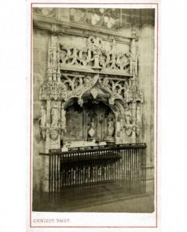 Tombeau de Marguerite de Bourbon dans un enfeu, à Brou