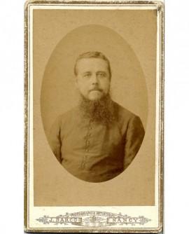 Ecclésiastique barbu