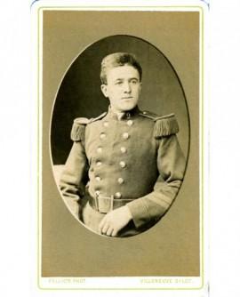 Portrait d'un militaire du 9è, tête nue