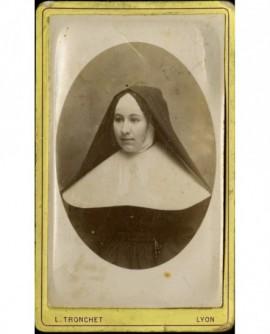 Portrait de religieuse (servante de l'Hôtel-Dieu)