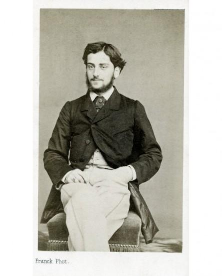 Homme barbu assis. Adolphe d'Eichthal