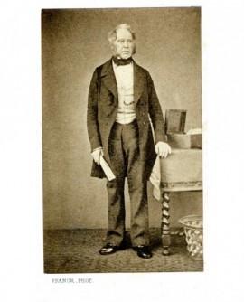 Homme à favoris debout , un discours à la main ( Lord Palmerston)